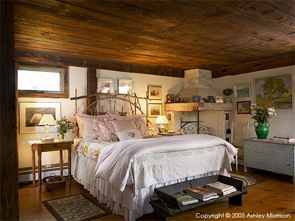 Master bedroom in Elinor Earle's Candle Light cottage in the Vermont town of Stowe
