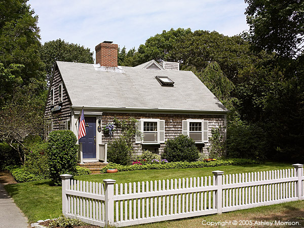 Gene & Rosemary Fuller's 1930's New England cottage in the Cape Cod town of Chatham