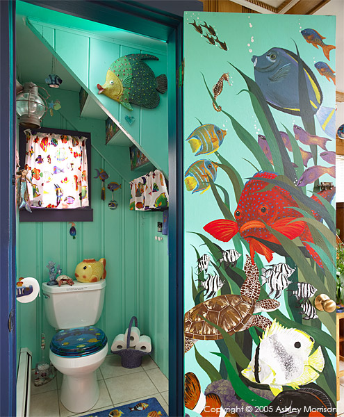 The fishy toilet in Rick Dean & Maria Sylvia's beach house in Mystic